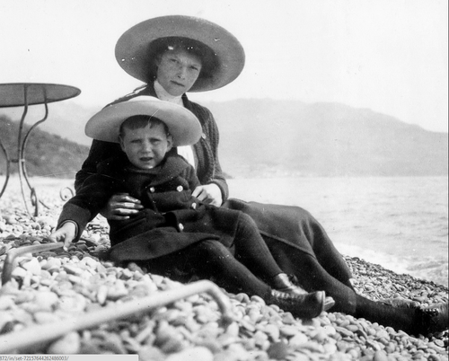 Grand Duchess Tatiana Nikolayevna with her Hessian cousin