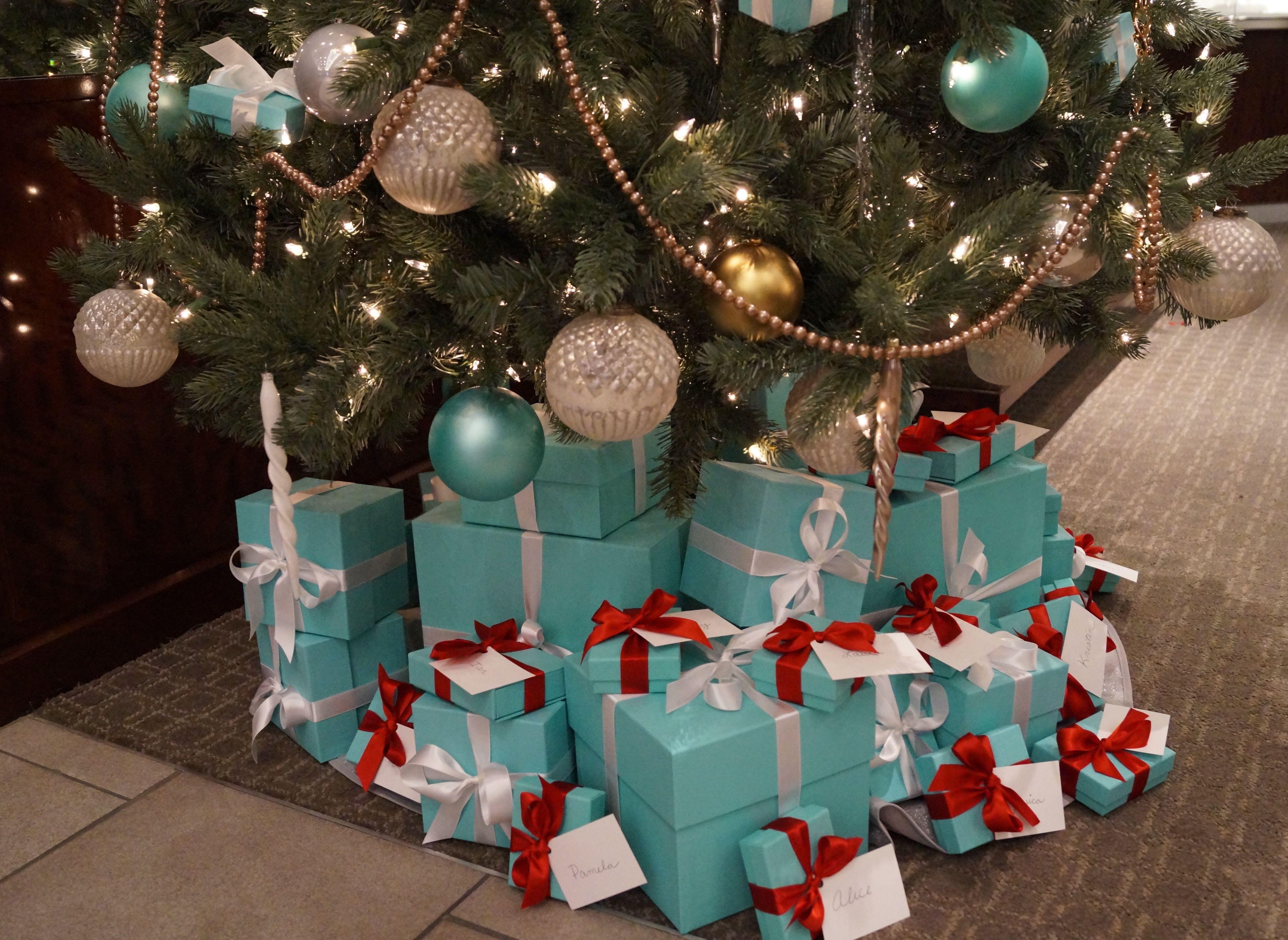 Tiffany and Co Christmas tree | Christmas Joy | Pinterest