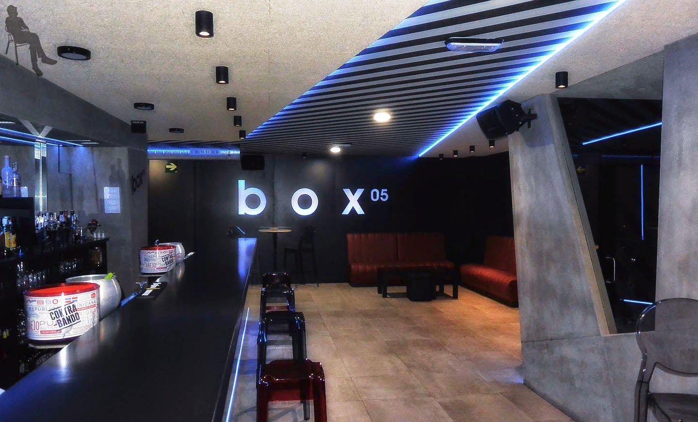 Diseño de interiores en café concierto. Interior barra.