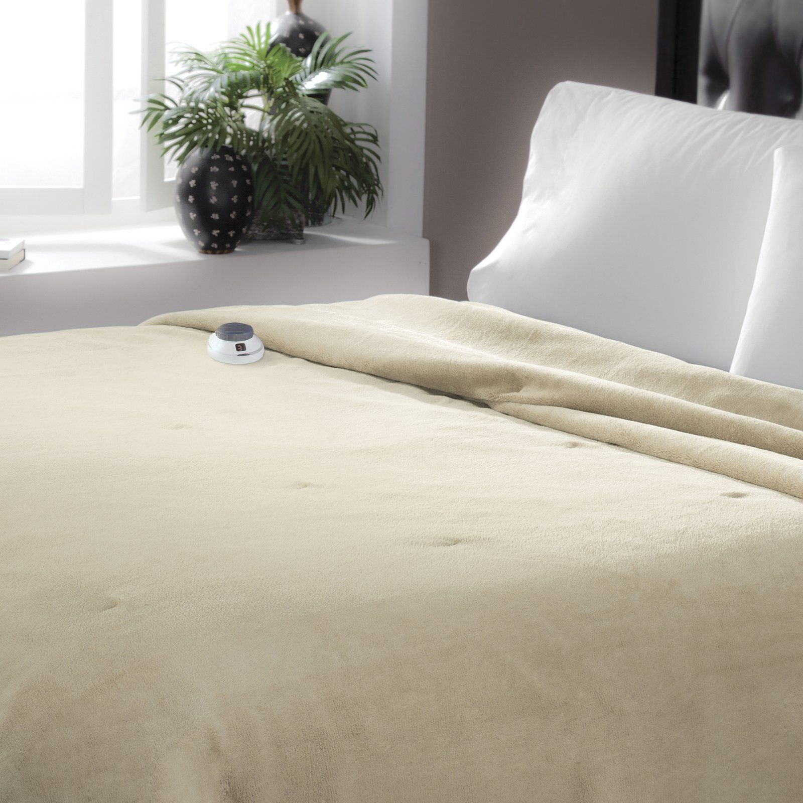 Serta Luxe Plush Electric Warming Blanket Heated Blanket
