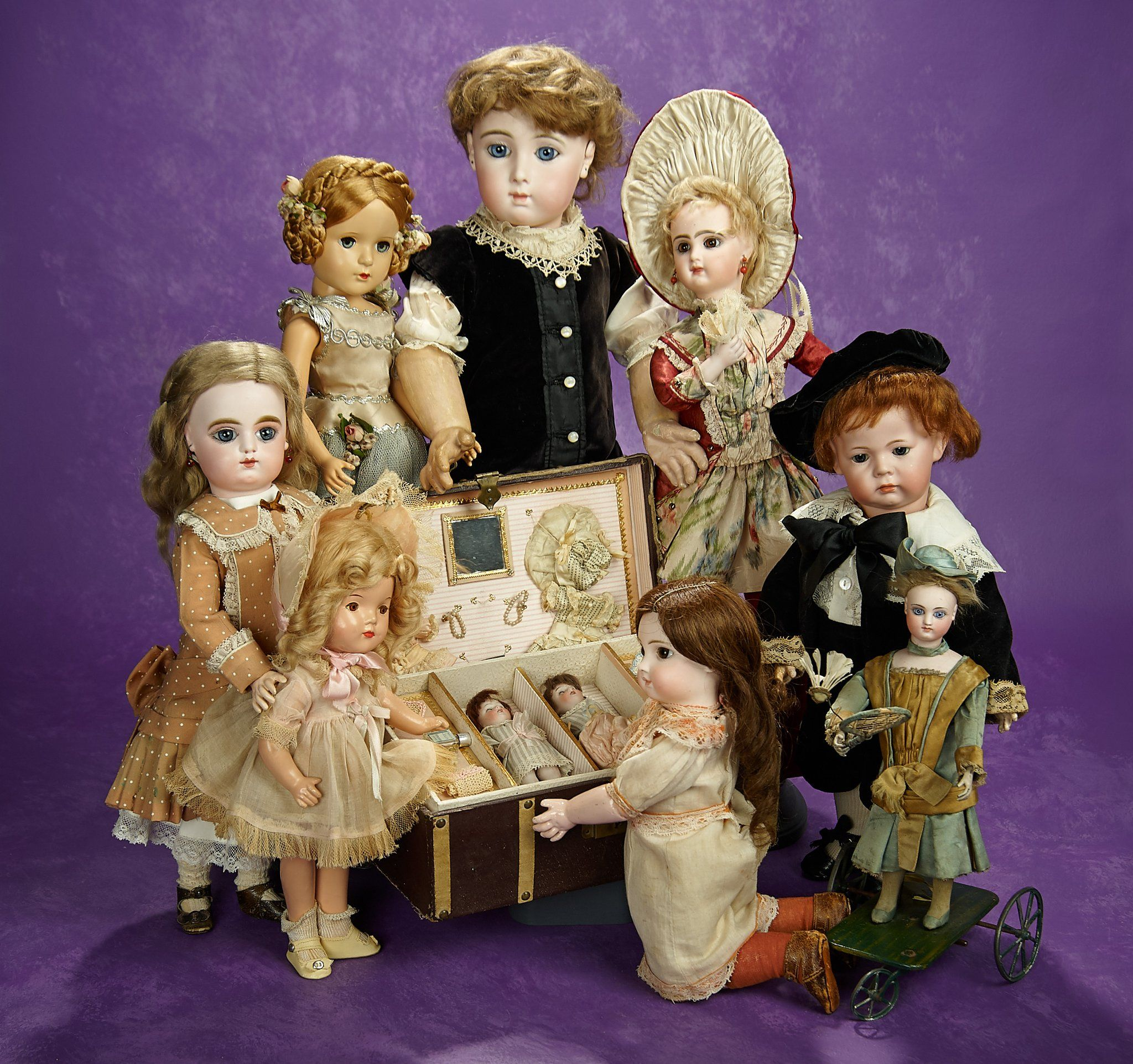 """Theriault's Auctions on Twitter: """"We're having a two-day #Premiere #DollAuction June 10-11 featuring 500 dolls from French, German and American makers https://t.co/C4ZbGPBdCc https://t.co/awhGvgiFEu"""""""