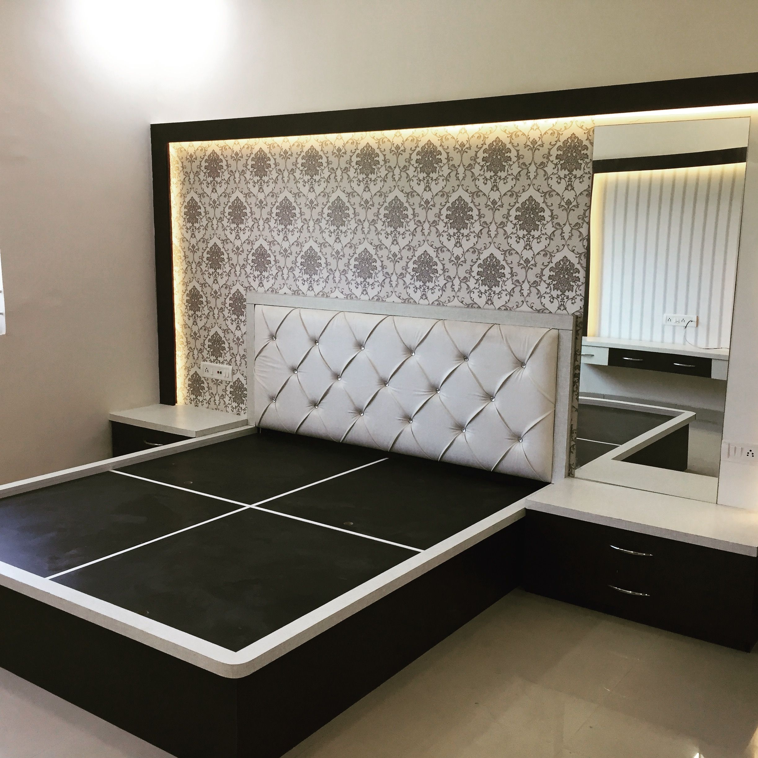 Kamar set  Bedroom furniture design, Bed design modern, Bed