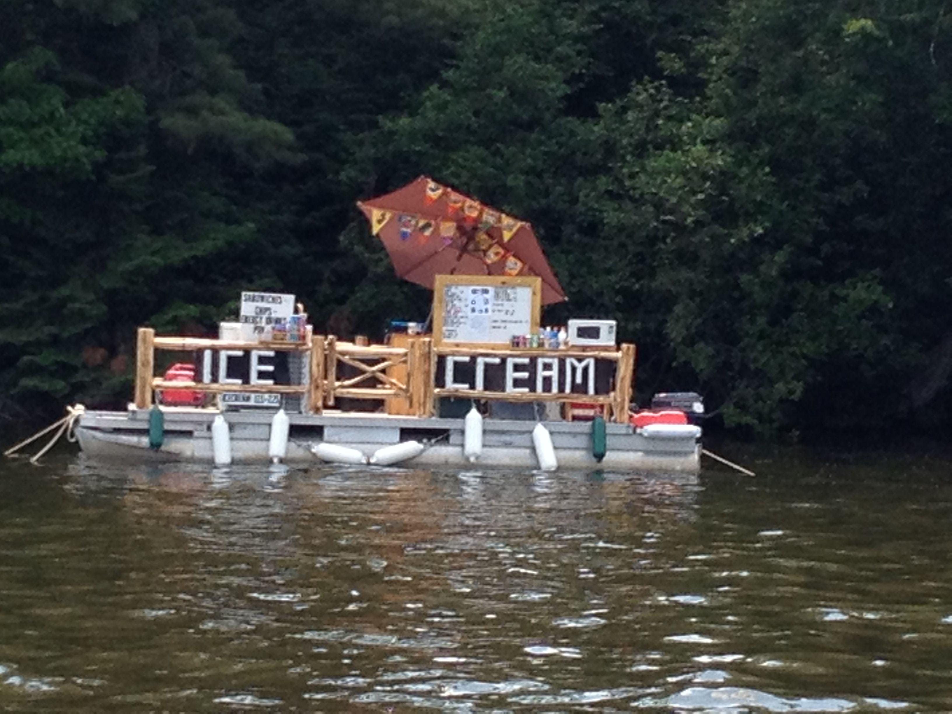 Ice Cream Boat On The Chain Eagle River Wi Places To Visit