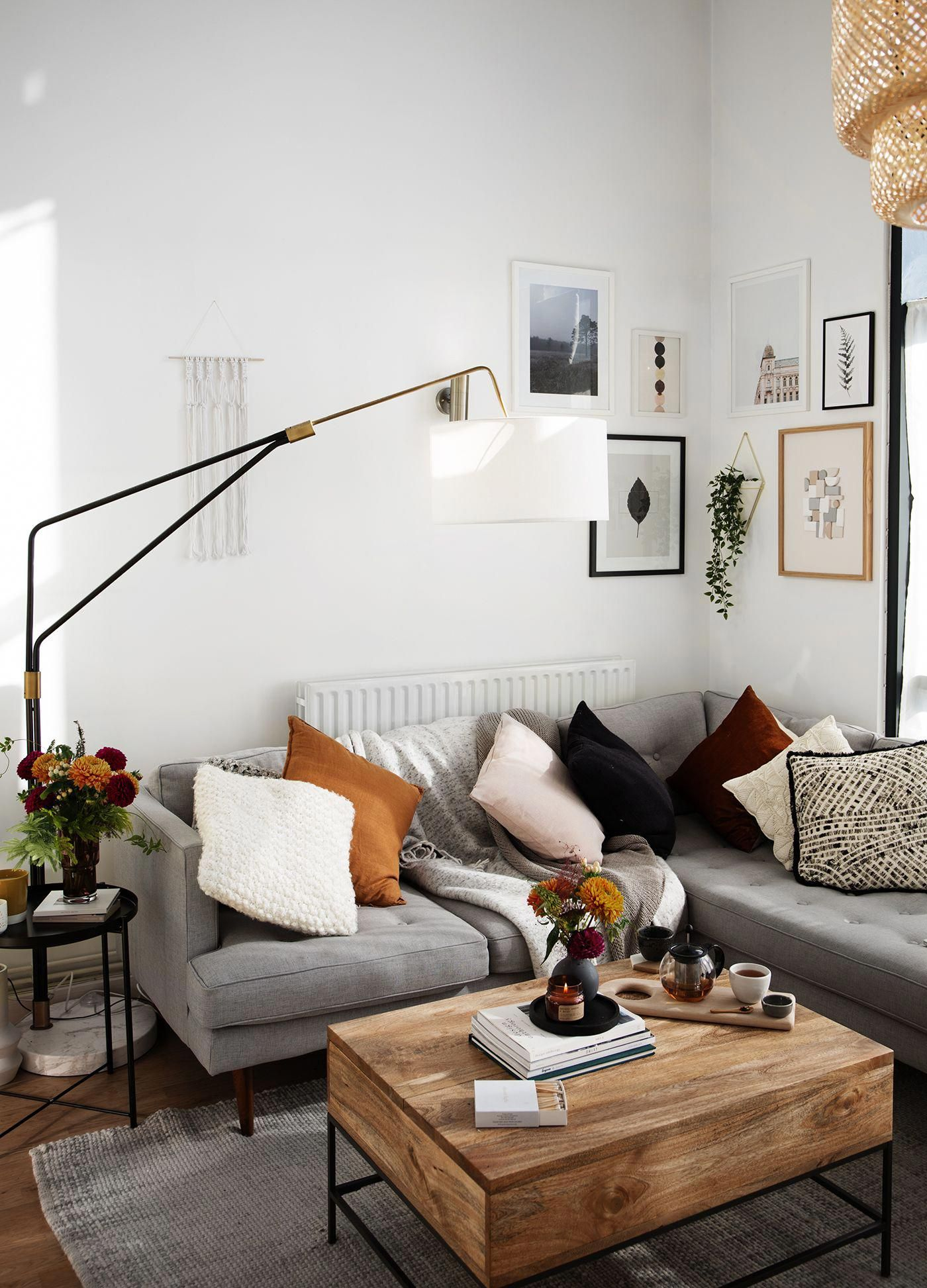 Living Room With A Bit Of A Rustic Industrial Feel Homedecor Livingroom Colors Throwpillow Living Room Scandinavian Living Room Inspo Living Room Interior
