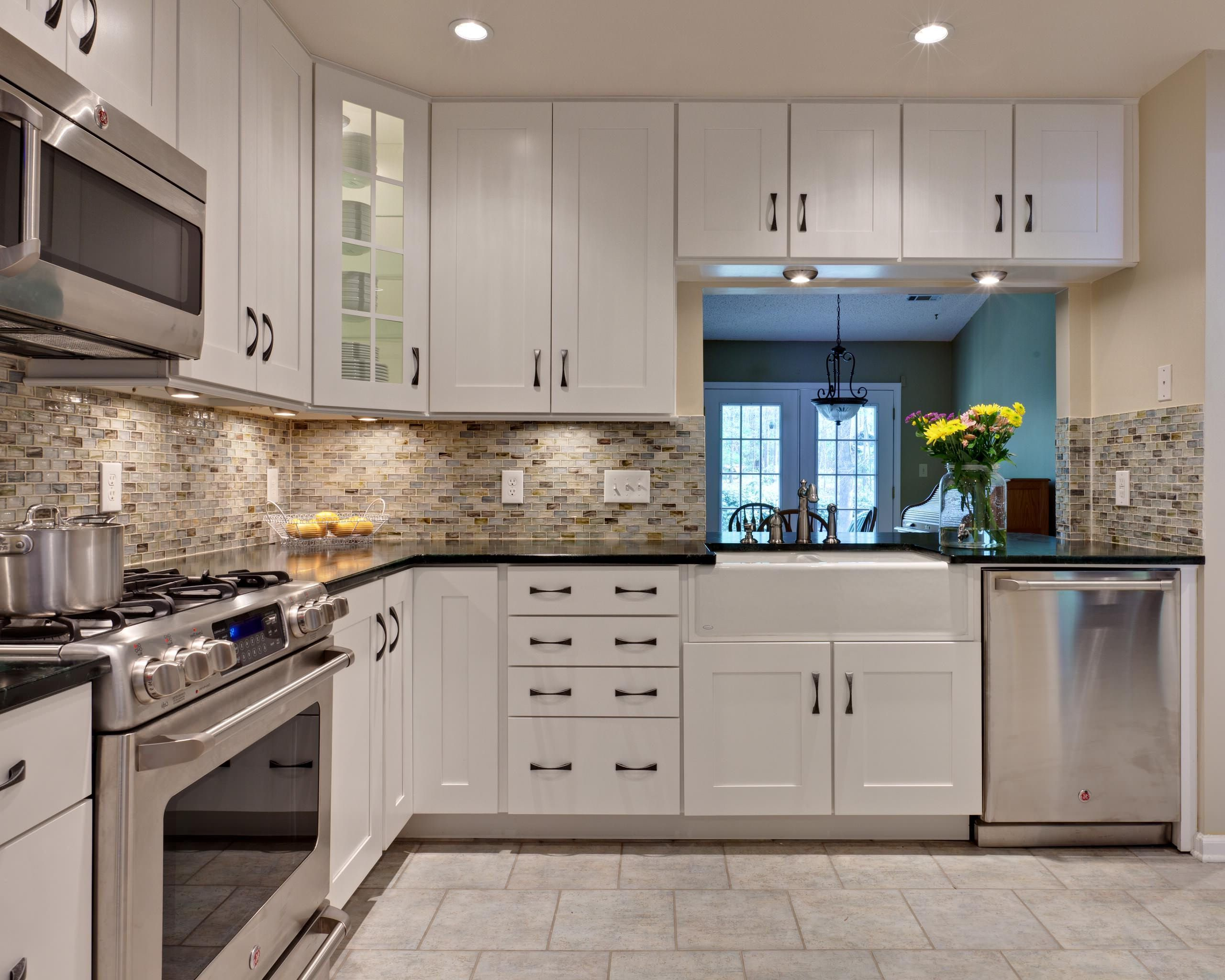 - Kitchen Backsplash White Cabinets Rectangle Silver Kitchen Sink