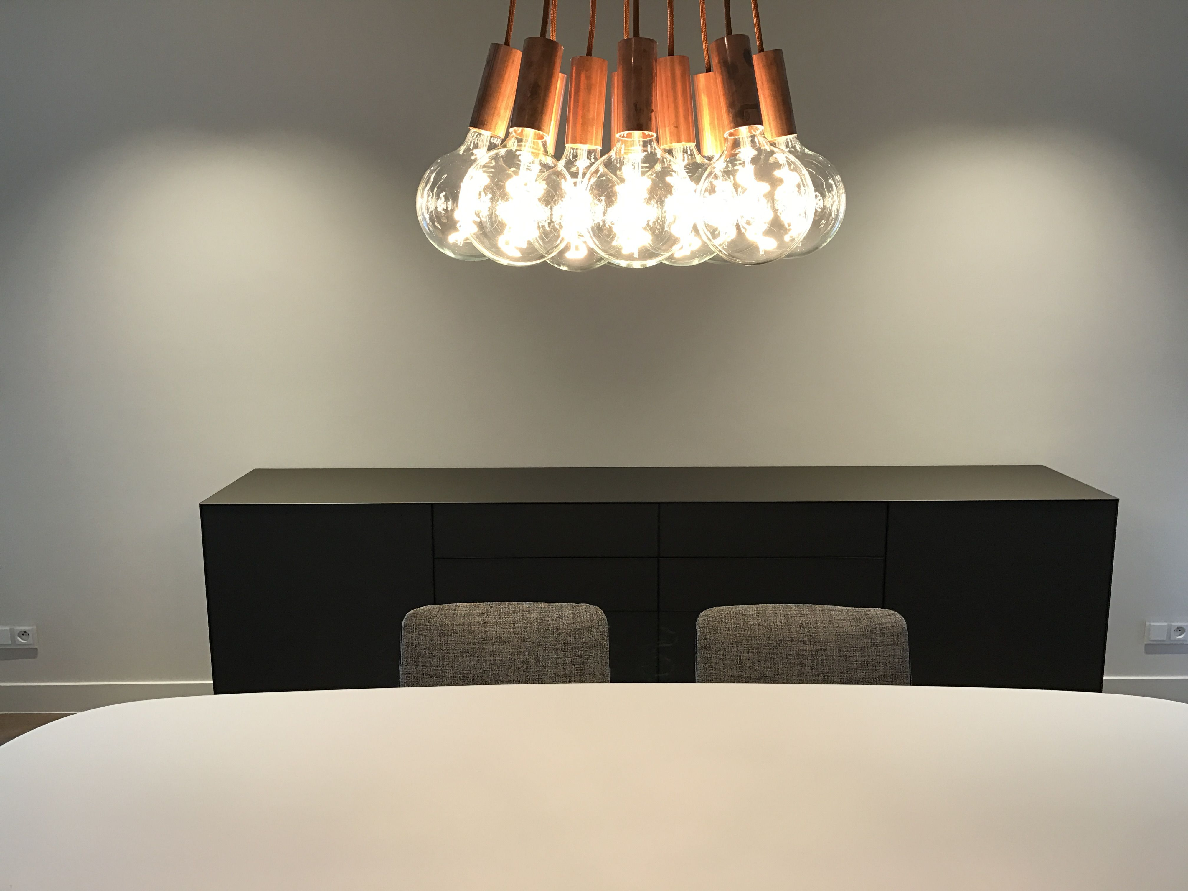 Differend interior design plafondverlichting op maat in combinatie