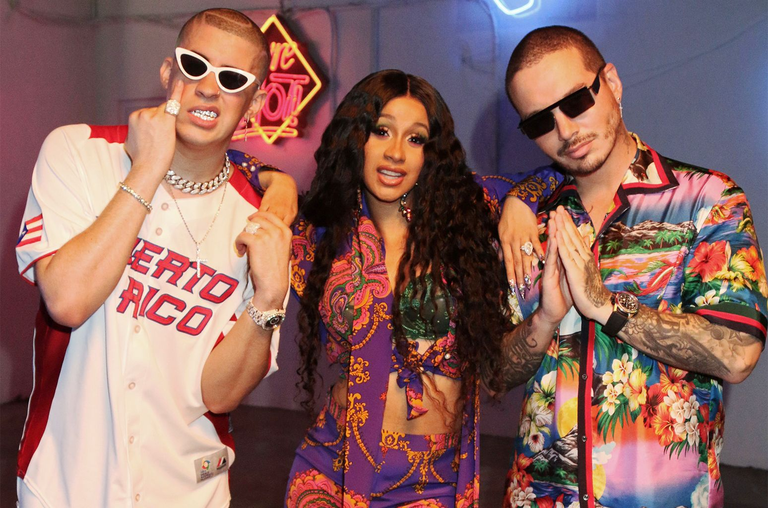 Cardi B Bad Bunny And J Balvin To Perform I Like It At 2018 American Music Awards Latin Music Pop Songs American Music Awards