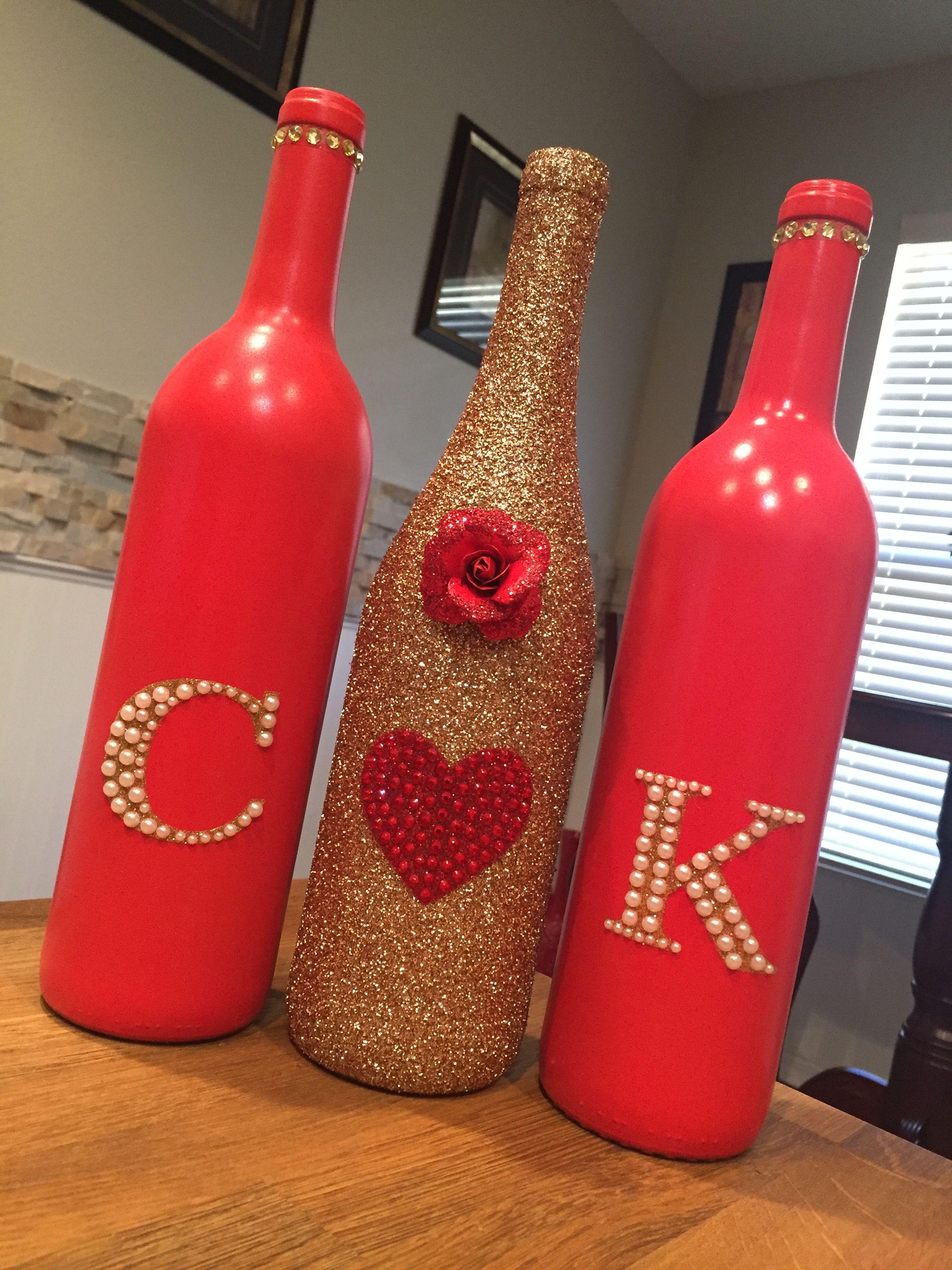 Ideia Por Katie Nichols Em Crafts For The Wedding Garrafas Decoradas Garrafas Pintadas Decoracao Com Garrafas