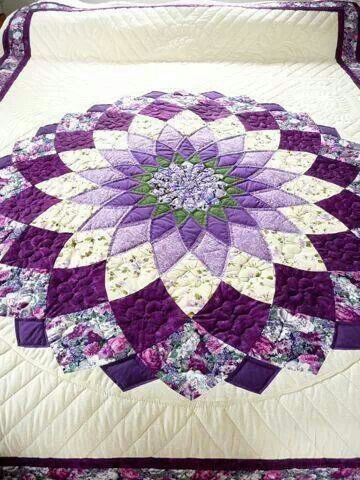 Amish Quilt Giant Dahlia Pattern | Dahlia, Etsy and Patchwork : dahlia quilts - Adamdwight.com