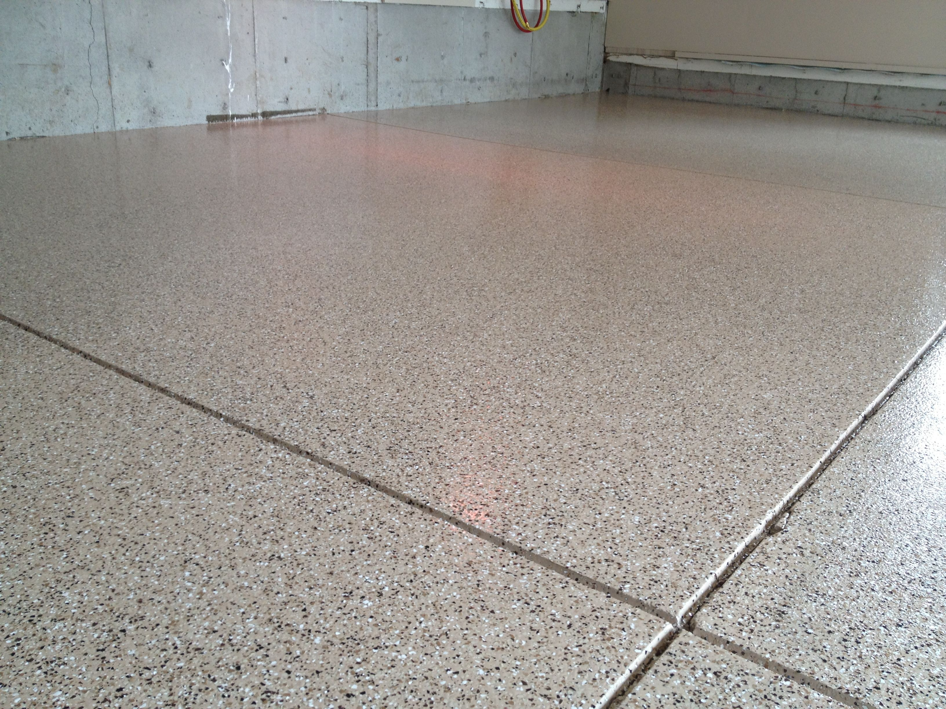 1 4 Medium Tan Flake Blend Medium Broadcast On Cottonwood Color Epoxy Vapor Barrier Finished With A Clear Polyurethane T Color Epoxy Epoxy Floor Garage Floor