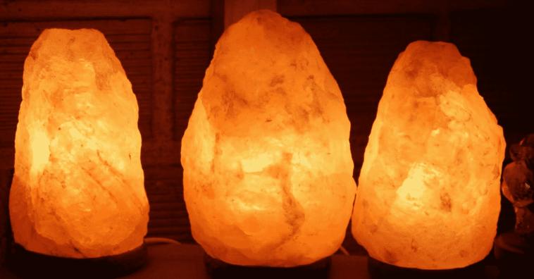 Que Son Las Lamparas De Sal Del Himalaya Como Funcionan Y Cuales Son Los Beneficios Lampara De Sal Del Himalaya Sal Del Himalaya Lamparas De Sal