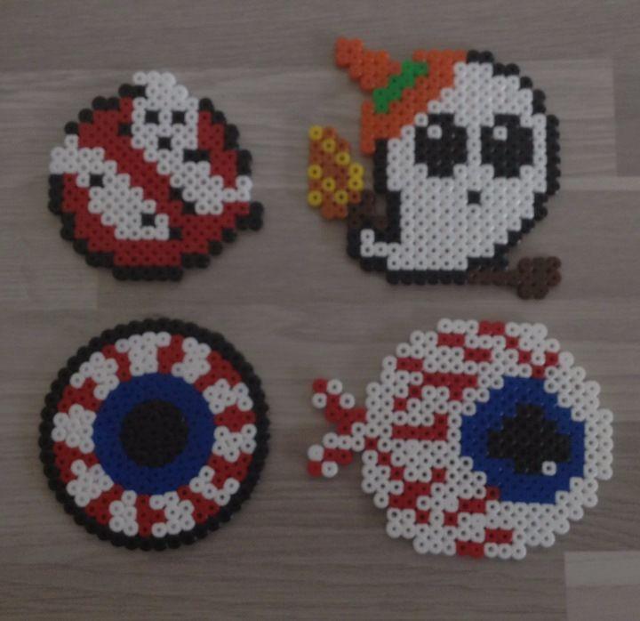 Deco perle hama Halloween fantôme œil | Joyeux halloween, Déco halloween, Halloween