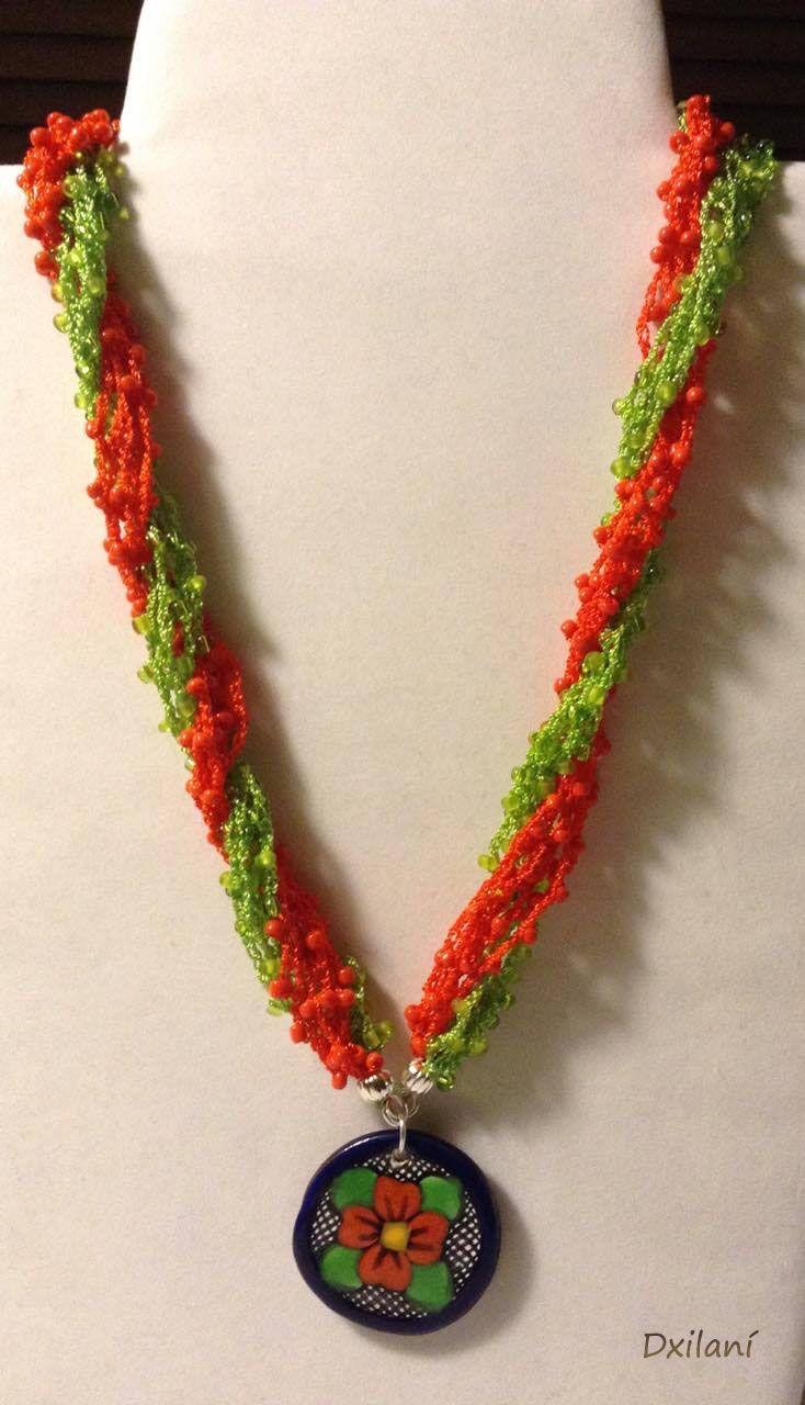 Collar Tejido En Crochet Con Mostacillas Y Dije De Talavera Poblana