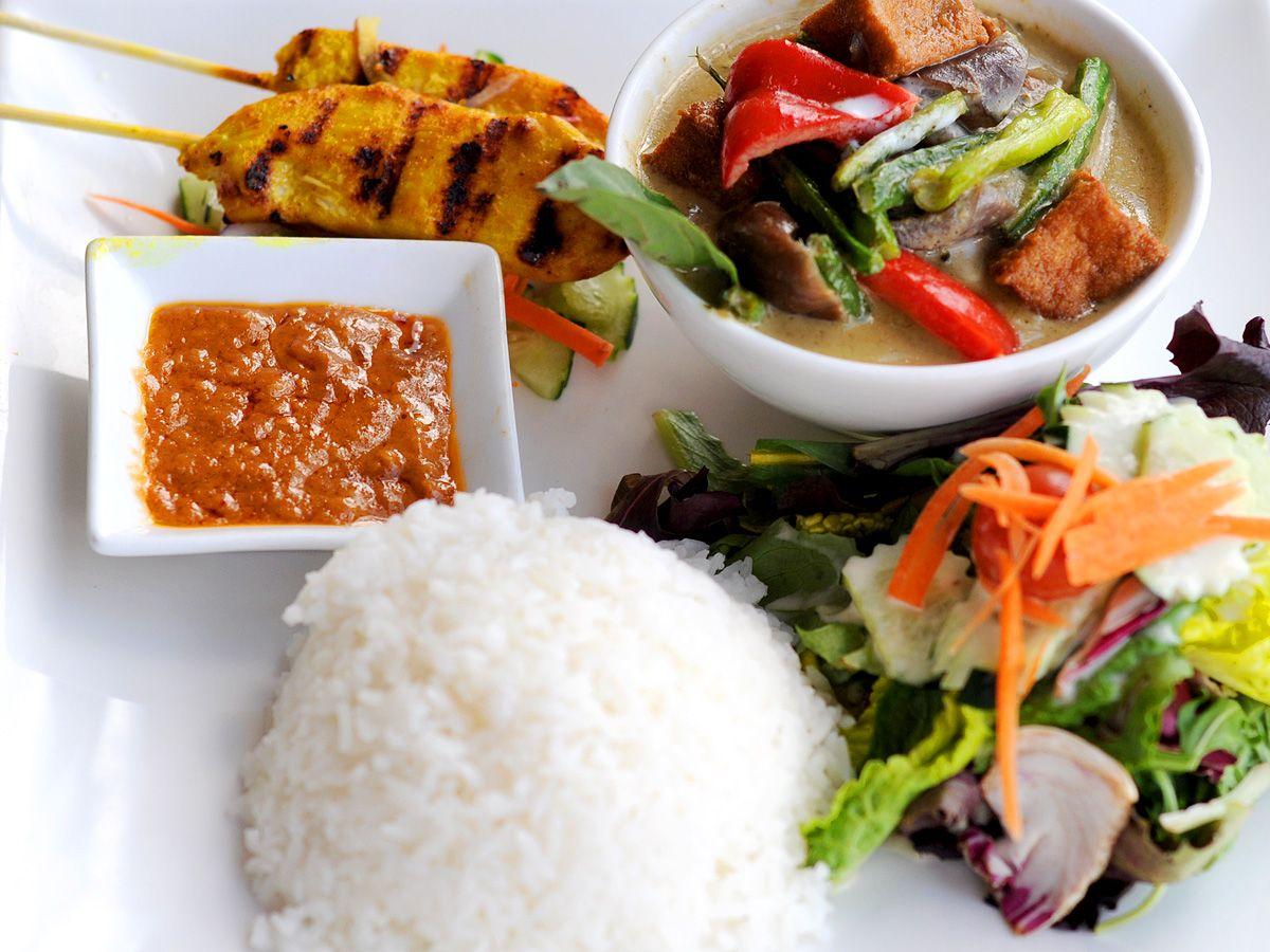 Banana blossom thai cuisine oakland ca food thai