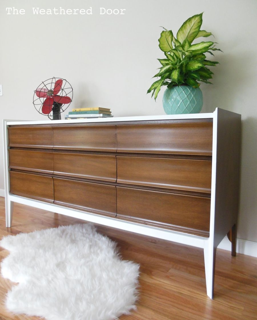 The mid century modern design in furniture is characterized by simplicity and natural shapes the furniture from this period is appreciated for its beautif