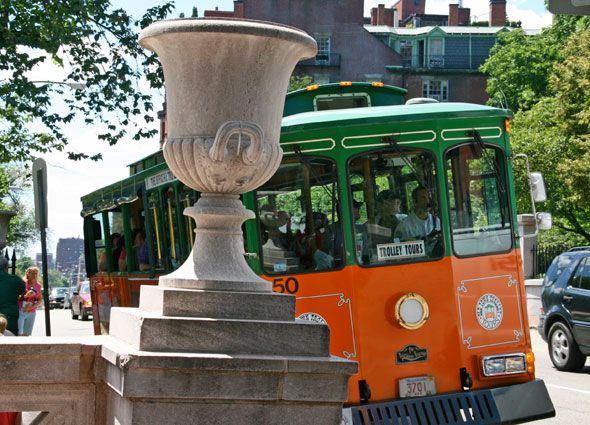 Want To See All That Boston Is Famous For Climb Aboard The Old - 10 things to see and do in boston