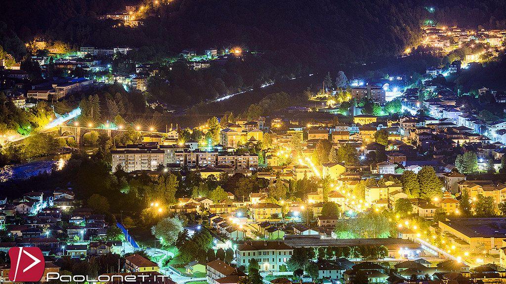 https://flic.kr/p/sMJgu1 | Borgosesia | Panorama notturno