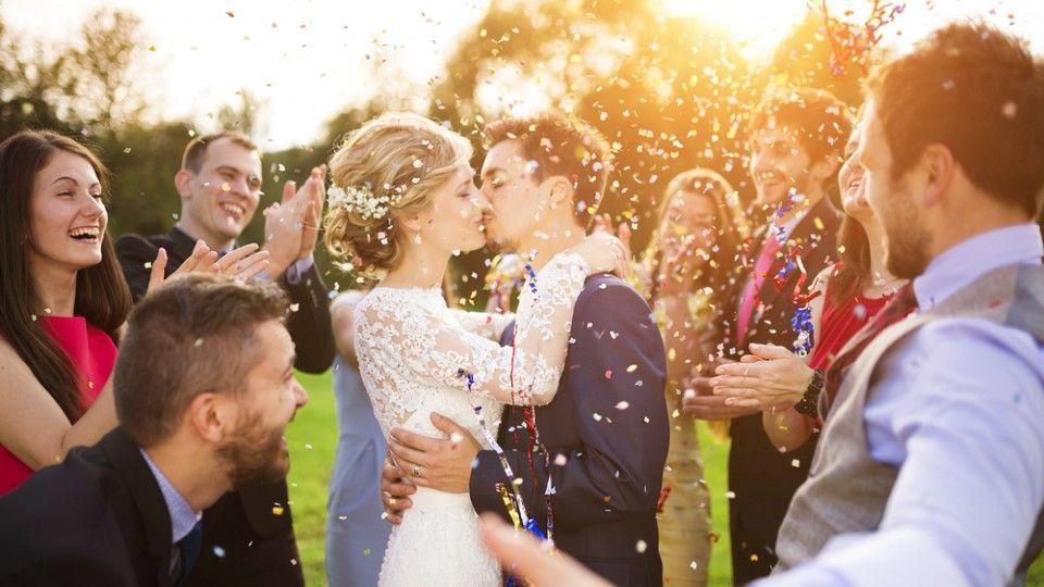 Come Organizzare Un Matrimonio Economico 10 Consigli Per Risparmiare Matrimonio Economico Fotografia Di Matrimonio Matrimonio