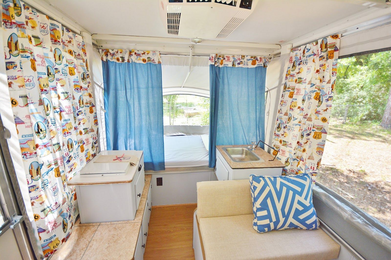 23 Beautiful Rv Curtain Design For Upgrade Your Holiday Style Rv