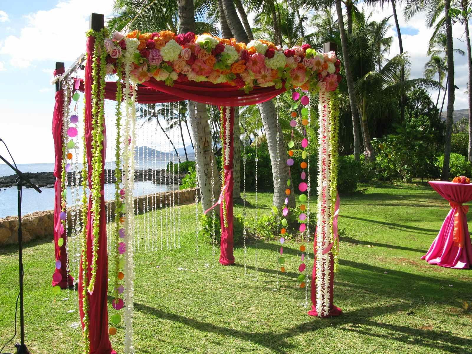 wedding arch - Hawaiian style