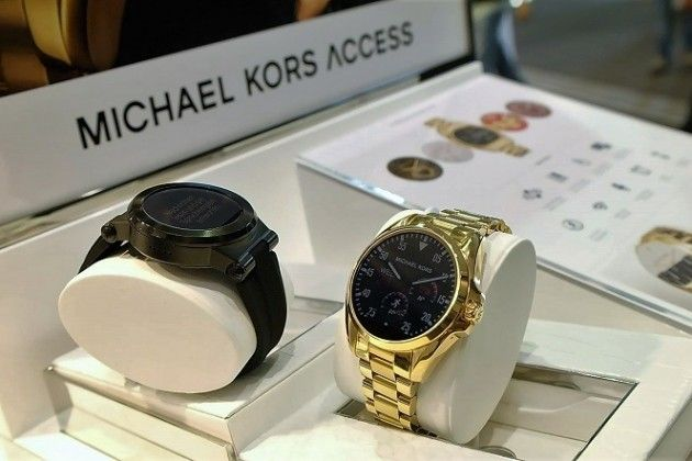 c6706e206a39 Michael Kors Smartwatch First Impressions  A stylish take on Android Wear