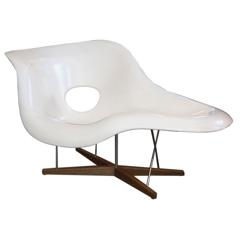 Charles And Ray Eames La Chaise By Vitra