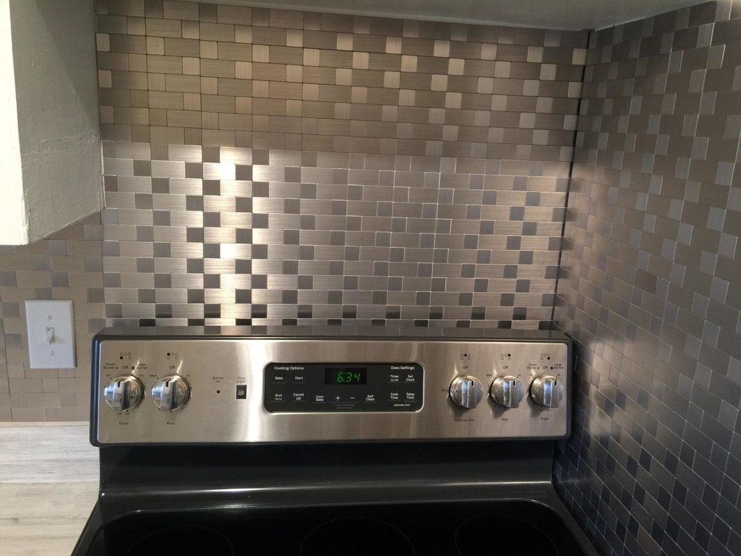 12 X 12 Metal Peel Stick Mosaic Tile In Gray Silver Metallic Backsplash Metal Mosaic Tiles Mosaic Tiles