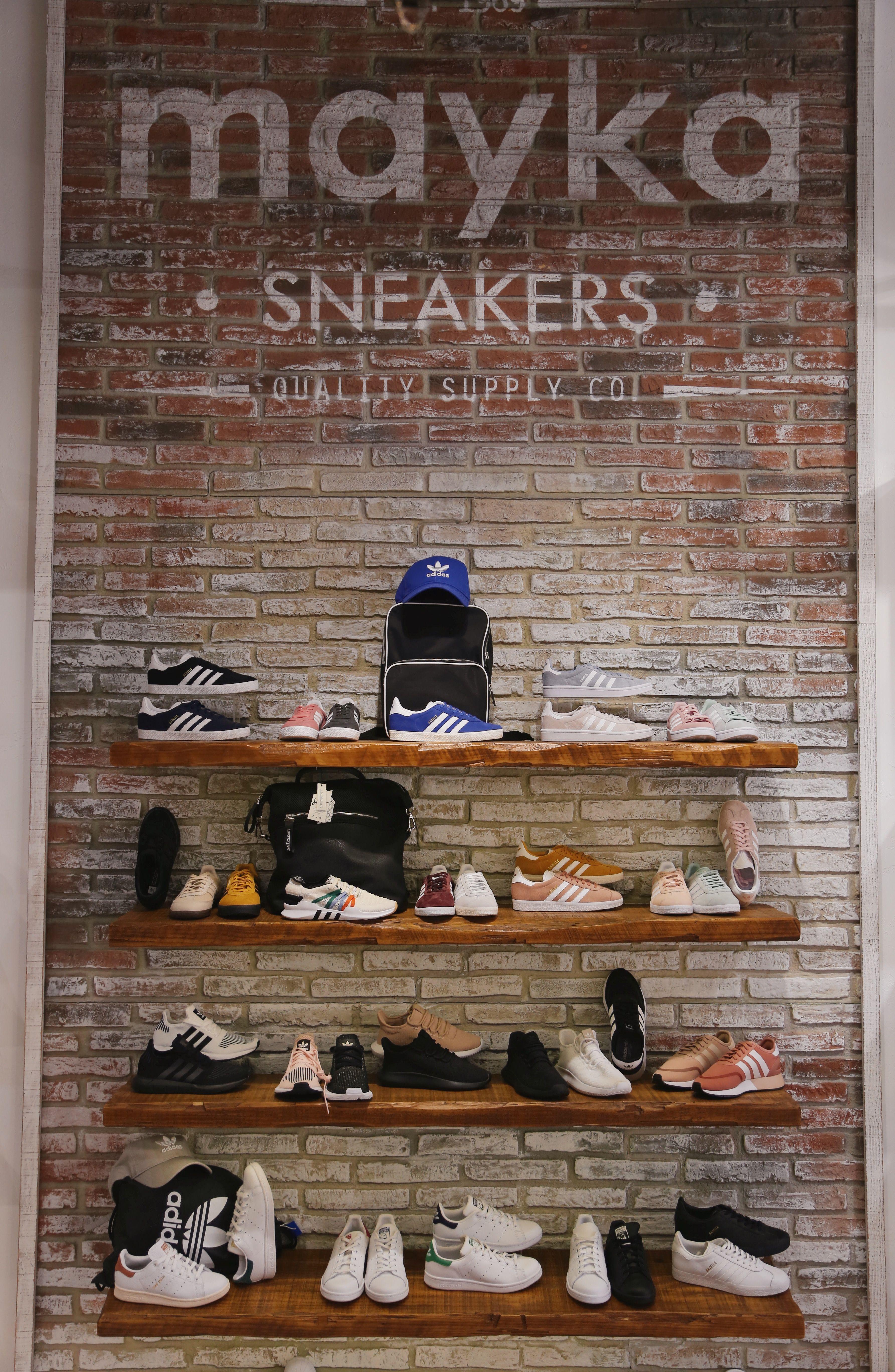 dbb078ed8 ¿Aún no conoces nuestras tiendas Zapatos Mayka 😍 En ellas encontrarás  todos los zapatos