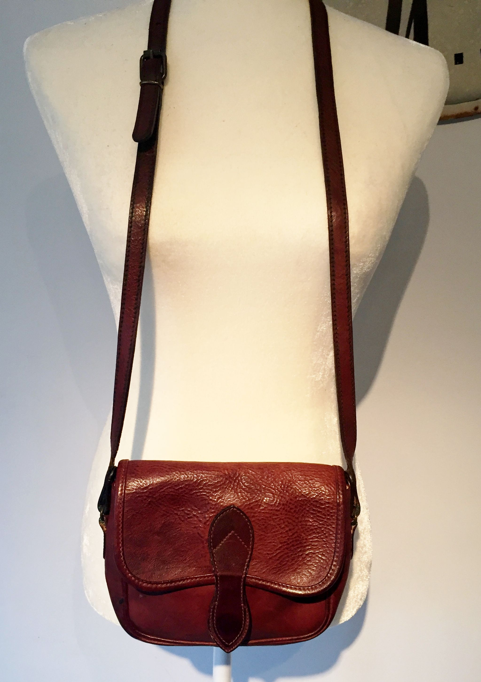 63d1c0b4794 Vintage Laura Ashley Small Cross body Bag Rare Find Made in Italy Brass  Hardware