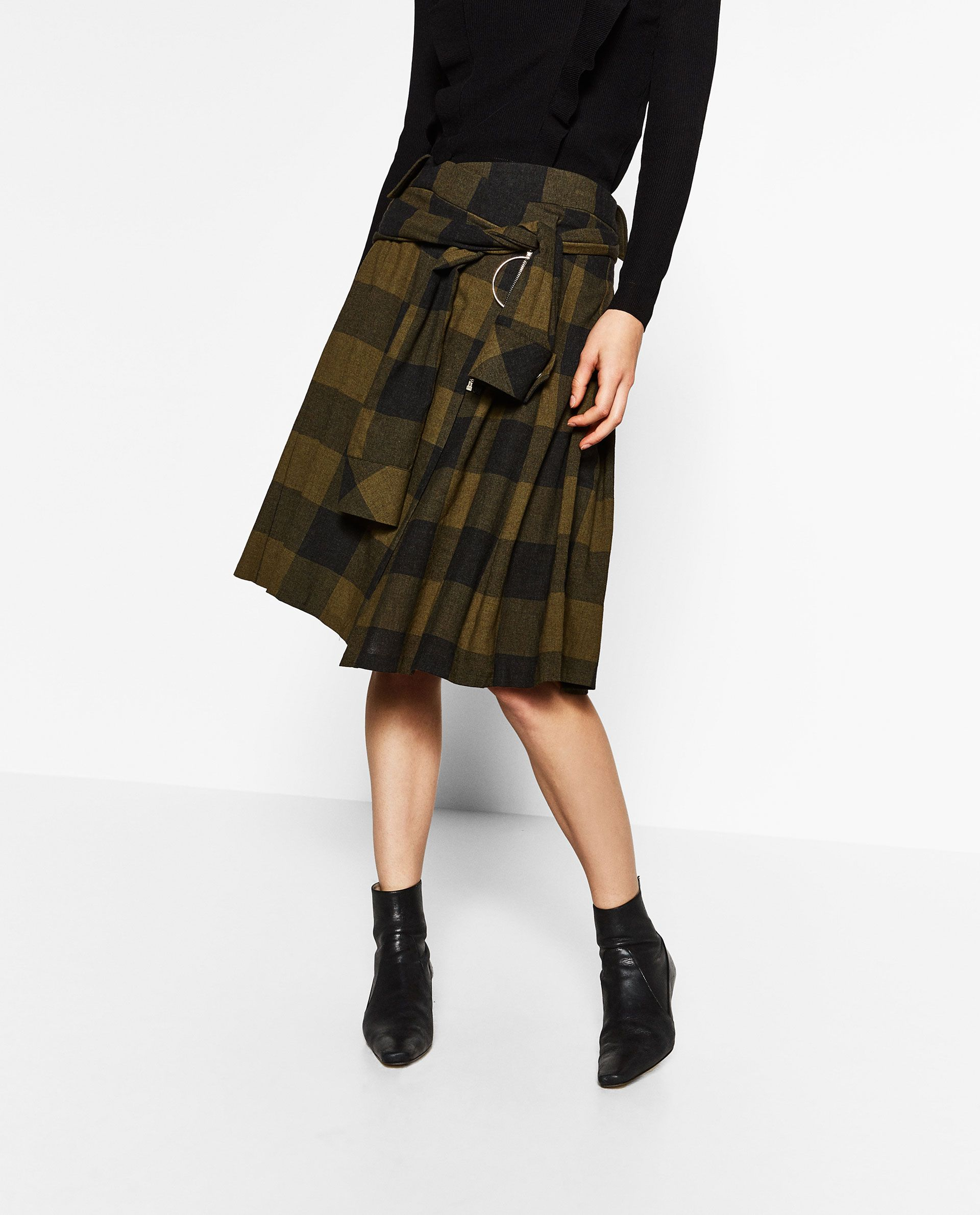 5c3dd15995a ZARA - EDITORIALS - CHECK KILT