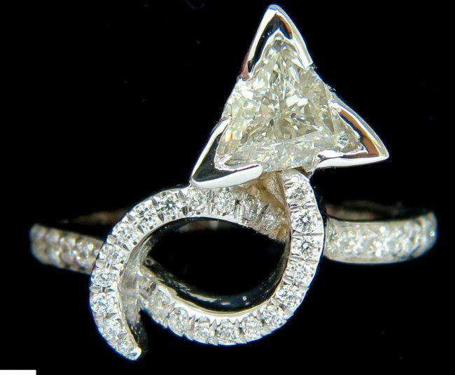 1.56CT TRILLIANT DIAMOND CROSSOVER RING MODERN ERA 14KT