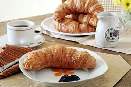 #colazioneitaliana Il cornetto ha sempre il suo perché...