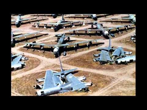 Old Plane Wrecks As Symbols Of Poverty Old Planes B 52 Stratofortress Open Air