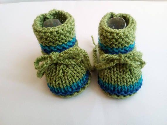 f83dad68a7145 Chaussons bébé en laine vert bleu Taille 3 mois bottines bébé