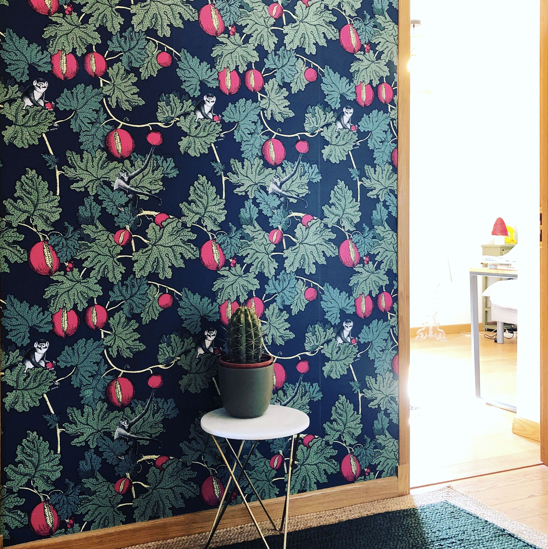 Cole And Son Fornasetti Frutto Proibito Wallpaper Papier Peint Idees De Decor Papier Peint Couloir
