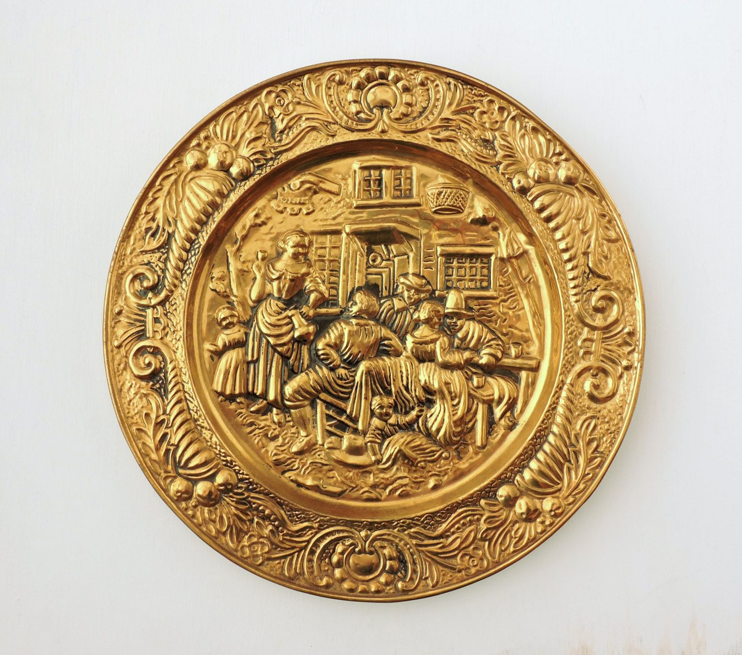 Vintage Brass Plate Made In England Large Hammered Brass Plaque English Brass Wall Hanging Brass Charger Ra Brass Wall Hanging Vintage Brass Brass Plaques