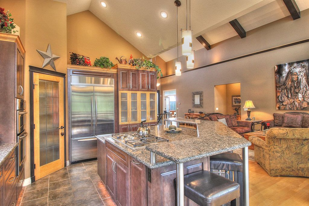 Best 42 Kitchens With Vaulted Ceilings Vaulted Ceiling 640 x 480