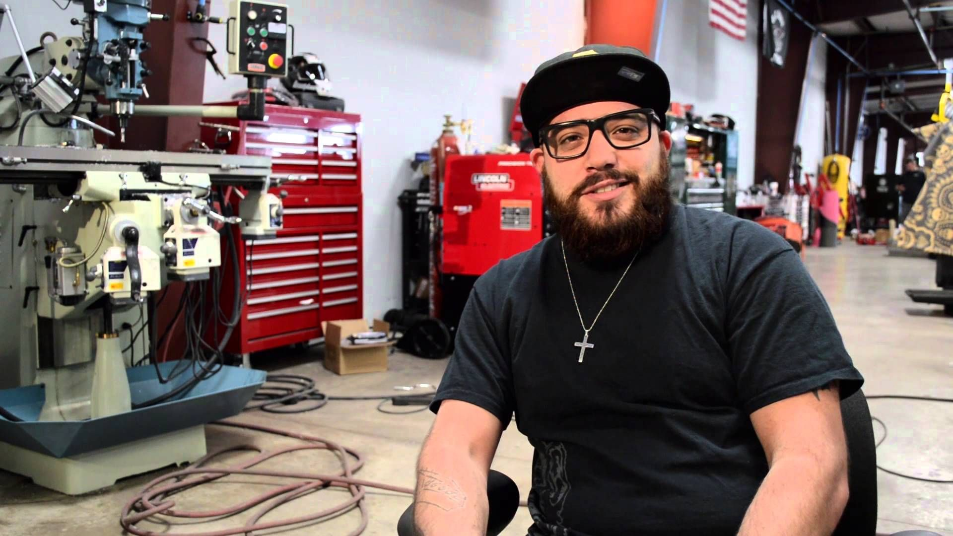 Gas monkey garage gas monkey pinterest garage monkey and gas - Gas Monkey Garage Meet The Monkeys Dustin