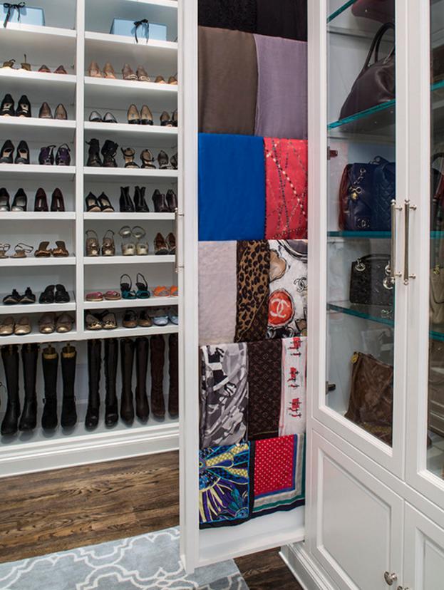 Scarf Pull Out | Lisa Adams, LA Closet Design