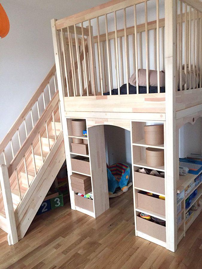 Bild 123 Spieletage mit Treppe und Regalen Ikea hack