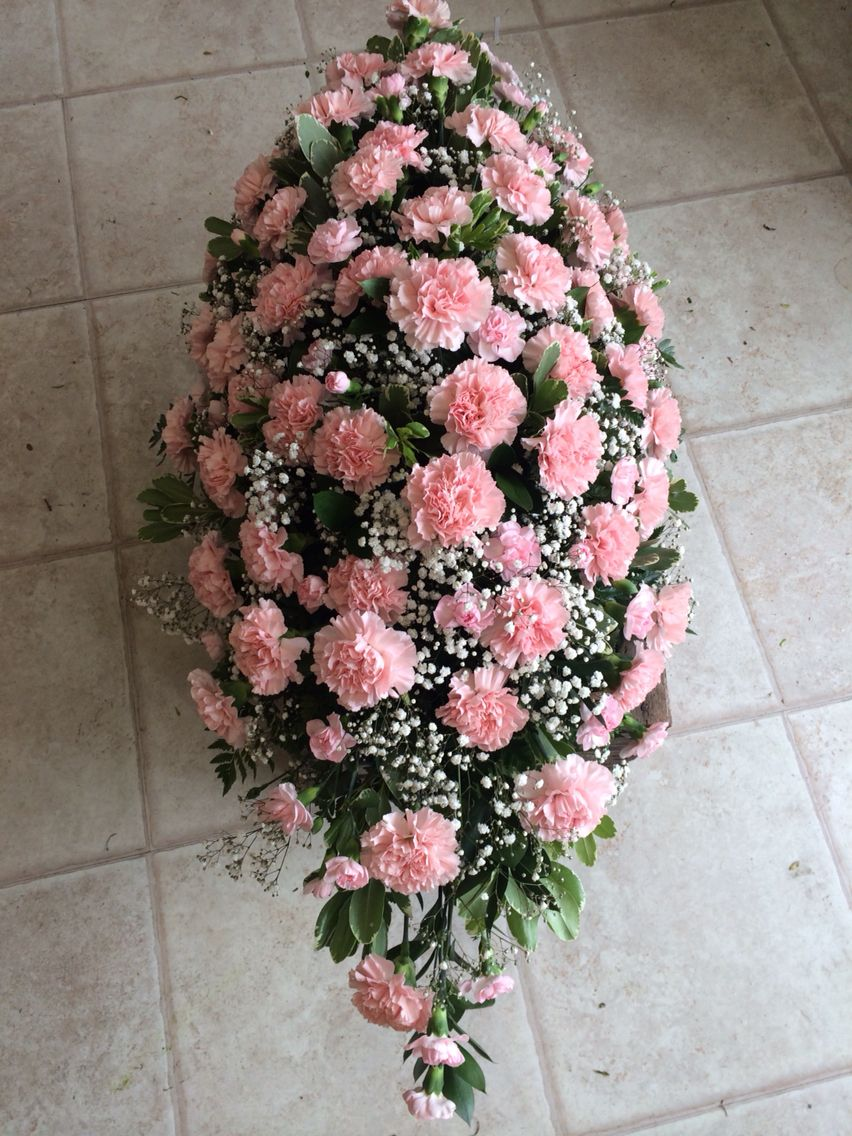 Carnation Coffin Spray 3ft Pink Carnations With Gypsophilia Funeral Tribute Flowers By Lily White Funeral Flower Arrangements Funeral Flowers Carnation Flower
