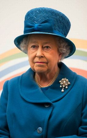 Hat Cousins: Queen Elizabeth and the Hourglass Hats of Angela Kelly #queenshats