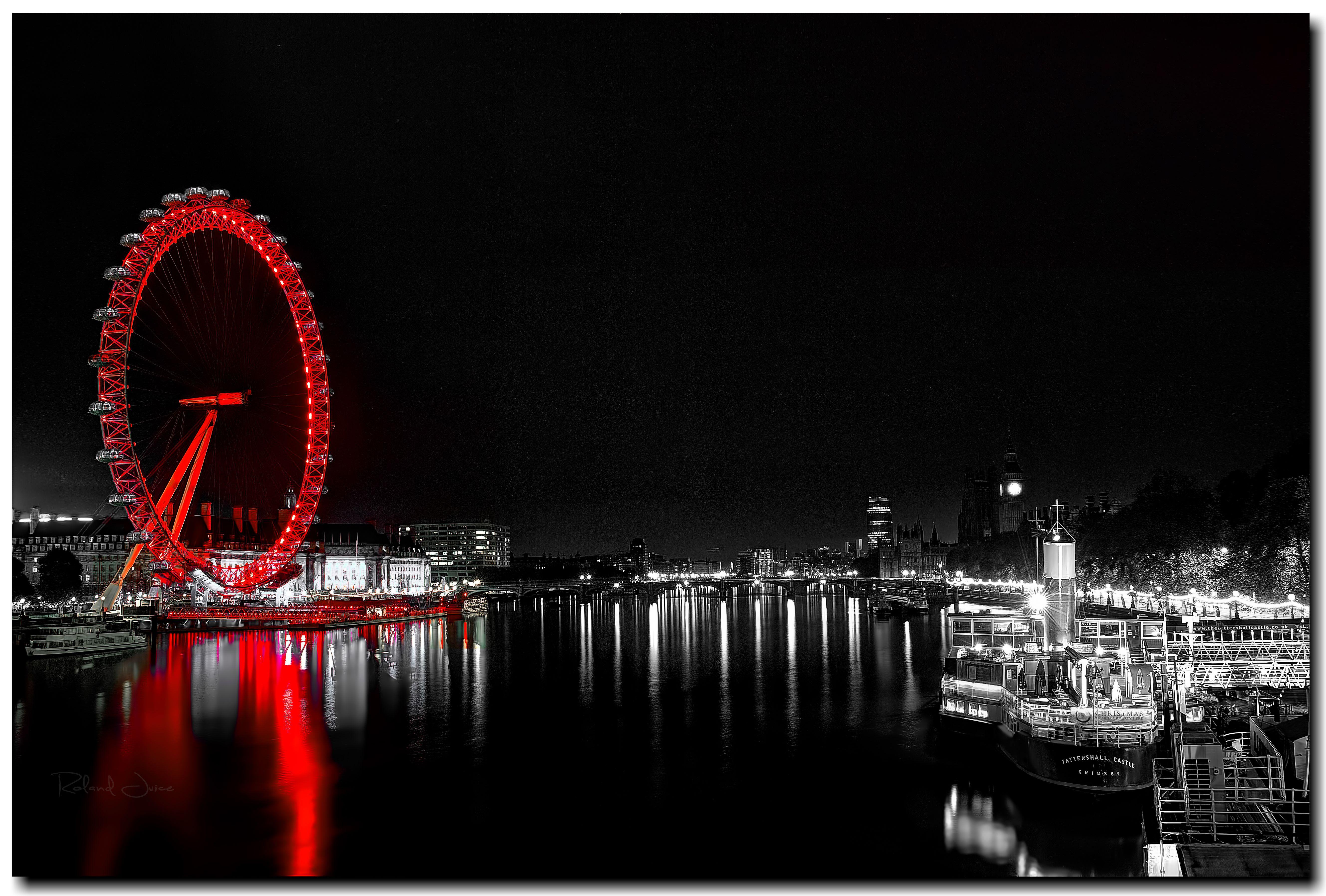 фото очень высокого разрешения город черно красный