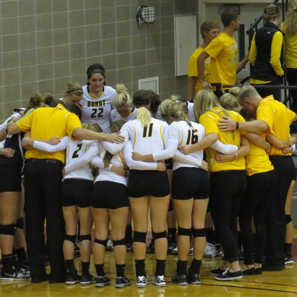 Dordt College Volleyball Team 2015 Sioux Center Ia 2015 Liberal Arts College Sioux Center Volleyball Team