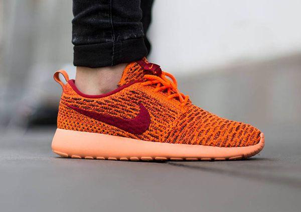 Découvrez la Nike Roshe Flyknit Total Orange, une running pour femme avec  une empeigne tissée orange (collection été