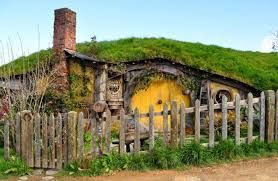 image result for lord of the rings hobbit house - Lord Of The Rings Hobbit Home