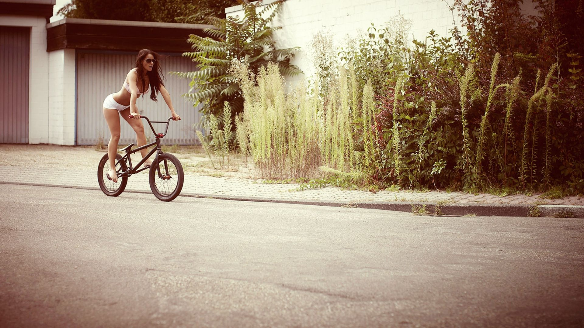bmx and girl wallpaper - photo #5