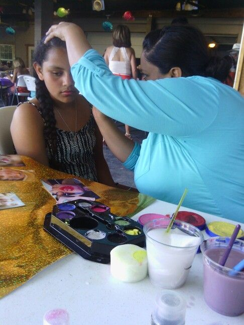 My Mom Face Painting Many Way To Paint A Face Lizbeth Pinterest