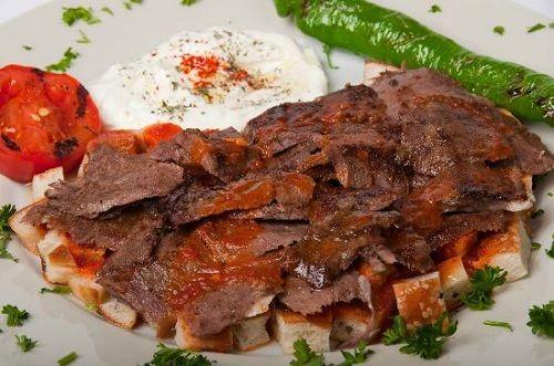 طريقة عمل اسكندر كباب التركي طريقة Iskander Kebab Recipe Doner Kebabs Turkish Recipes