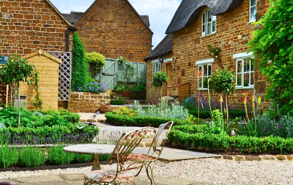 Modern outside seating area | Contemporary gardens | Oxford Garden ...